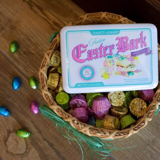 Who's Egg-cited for Easter?!🐰 If you still need last minute treats, we have you covered💛 #LiveLifeToTheSweetest