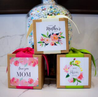 Toffee Please🥰🤍 Celebrate Mom with one of our Gourmet Toffee Boxes! #LiveLifeToTheSweetest