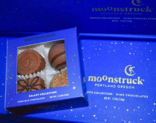 You've been Moonstruck 🌙  If you need a gift for a friend, or a treat for yourself, these chocolate boxes are an easy choice🤩💛