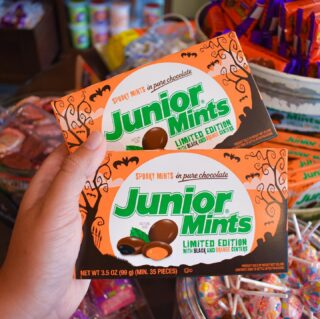 These limited edition Junior Mints are a Halloween favorite 🤎🧡 Check out our #Halloween Candies in store now! 👻 #LiveLifeToTheSweetest